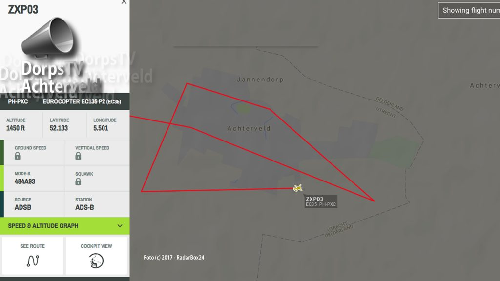 De politiehelicopter cirkelde meer dan een half uur boven het dorp.