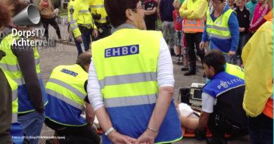 EHBO in actie tijdnens Tour de Junior.